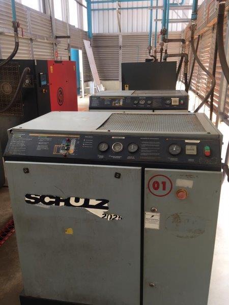Manutenção de compressor em Jau